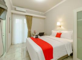 RedDoorz near Taman Makam Pahlawan Cikutra, hotel in Bandung