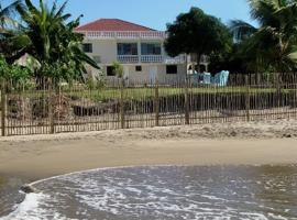 Doc's On The Bay, villa in Treasure Beach