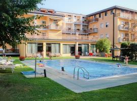 Hotel Dolomiti, hotel in Levico Terme