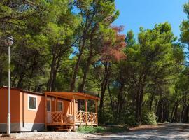 Mobile Homes Adriatic Camping - Baško Polje, room in Baška Voda