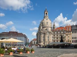Großes Apartment im Zentrum von Dresden, 2 Schlafzimmer, 2 Bäder, Balkon, apartment in Dresden