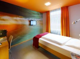 Hotel Königstein, hotel near Olympiapark, Munich