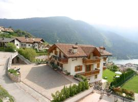 Villa la Dama del Lago, hotel near Molveno Lake, Molveno