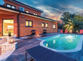 Four-Bedroom Holiday Home in Fazana, luxury hotel in Fažana