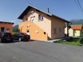 Apartments and rooms with parking space Vranovaca, Plitvice - 17461, hotel in Korenica