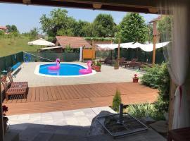Family friendly apartments with a swimming pool Ostarski Stanovi, Plitvice - 17806, hotel in Rakovica