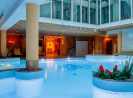 Grand Rose SPA Hotel, hotel in Kuressaare