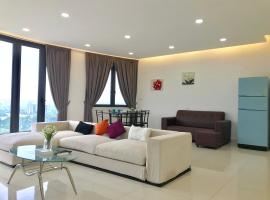 Cozy 3BR Family Suites with Amazing View @ Level39, hotel with jacuzzis in Gelugor