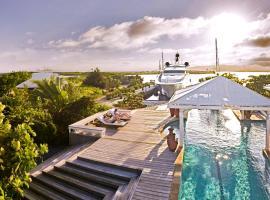 Barefoot Cay Resort, hotel in Roatán