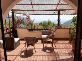 Casa de rosa, pet-friendly hotel in Palinuro