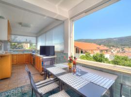 Apartments Villa Rojnica, B&B in Jelsa