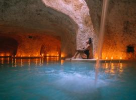 Hotel Zentik Project & Saline Cave, hotel in Valladolid