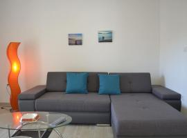 Apartment Rafael, budget hotel in Pag