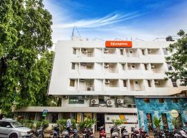 FabExpress Kalyan Hotel, отель в городе Вадодара