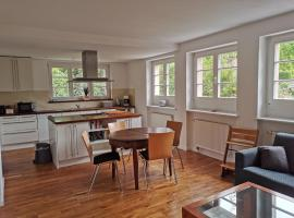 Beautiful House in Zehlendorf, holiday home in Berlin