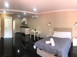 Villa Selin, hotell i Marbella