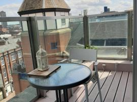 Penthouse City Hideaway, hotel near King Richard III Visitor Centre, Leicester
