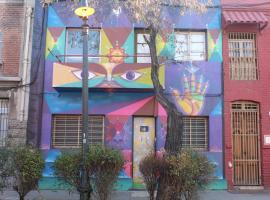 Wild Santiago Hostel, hotel en Santiago