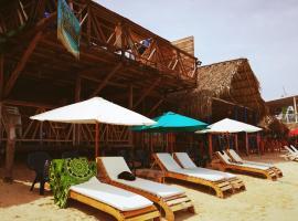 Chikiluky LYC, hotel in Playa Blanca