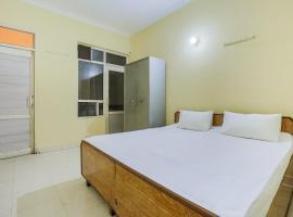 SPOT ON 44303 Canadian Guest House, hotel in Rājpura