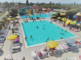 Camping Le Palme, glamping site in Lazise