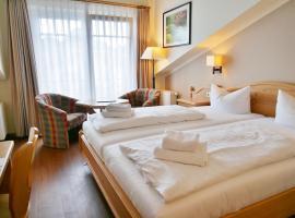 R&R Hotel Strandallee, hotel near Sellin pier, Baabe
