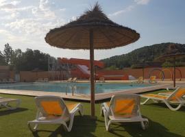 Domaine des voiles de Pierrefeu, hotel near Barbaroux Golf Course, Pierrefeu-du-Var