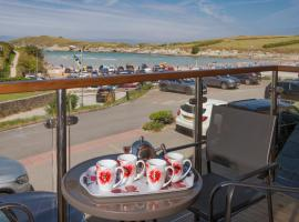 The Beach House & Porth Sands Apartments, hotel near Newquay Cornwall Airport - NQY,