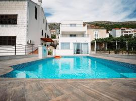 Residence top location apt. 1 Marghareta with sea view, hotel with pools in Dubrovnik