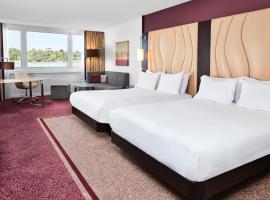 Hilton Vienna Danube Waterfront, hotel in Vienna