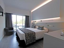 Hotel Pamplona, romantic hotel in Playa de Palma