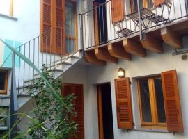 Casa Nar, self catering accommodation in Lecco