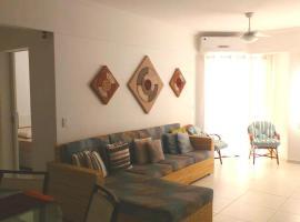 Lindo Apto 30m da Praia, hotel em Riviera de São Lourenço