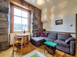 Cosy 1BR Flat in Edinburgh by GuestReady, hotel in Edinburgh