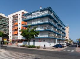 Sur Suites La Dorada, apartment in Fuengirola
