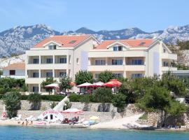 Pension Villa Rosa, hotel in Rtina