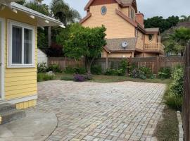 Ruth House Original Craftsman PETS, walk to State st., vacation rental in Santa Barbara