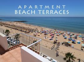 Apartment Beach terraces, hotel in Quarteira