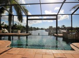 Holland House Cape Coral, 2732 Southwest 25th Street, Ferienunterkunft in Cape Coral