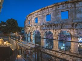 Arena & Sea View Luxurious Residence, luxury hotel in Pula