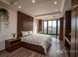 Irest Apartment, apartment in Hanoi