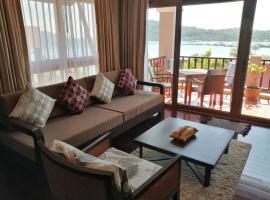 Heavenly Beachside Duplex - Infinity Pool, vacation rental in Ko Chang