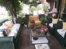 Casa Vitacura, bed and breakfast en Santiago