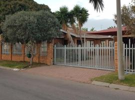 Bayview Selfcatering Apartment, apartment in Hartenbos