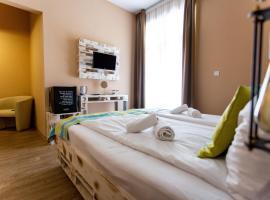 Hotel Carpe Diem, отель в Шиофоке