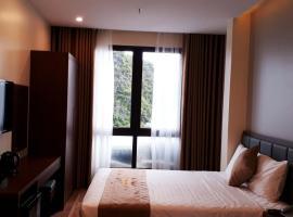 Rosalia Hotel Cat Ba, hôtel à Hai Phong