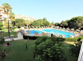 Apartamentos Hércules - Piscina y Playa - EXCELENTE CONEXIÓN WIFI- H20, hotel en Benalmádena
