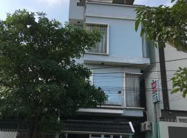 Nhà nghỉ Hoa Quỳnh, room in Bien Hoa