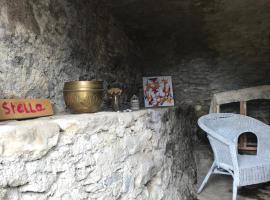 Un habitat troglodyte au centre corse, A cantinella, luxury tent in Santa-Lucia-di-Mercurio