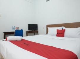 RedDoorz near Universitas Sisingamangaraja Medan, budget hotel in Medan